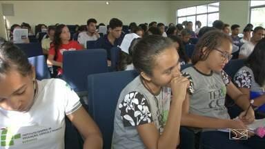 Alunos intensificam estudos para Enem em Caxias - Aulões têm sido muito procurados pelos estudantes que vão atrás do sonho de fazer um curso superior.