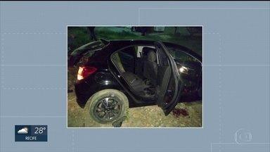 Bandidos assassinam três homens em Enseada dos Corais - Crime no Litoral Sul de Pernambuco é investigado pela polícia.