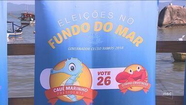 Alunos simulam debate político para incentivar voto consciente na Grande Florianópolis - Alunos viram candidatos e simulam debate para incentivar voto consciente na Grande Florianópolis