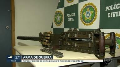 Polícia Civil apreende maior metralhadora com alto poder destruição - A Polícia Civil apreendeu uma metralhadora importada .50. A arma com alto poder de precisão pode abater aeronaves e veículos blindados.