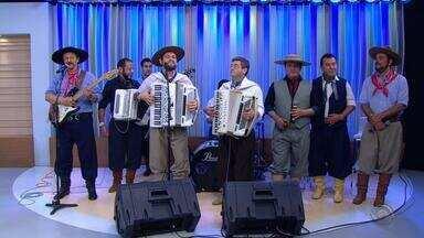 Grupo 'Os Monarcas' lança CD e canta ao vivo no 'Jornal do Almoço' no feriado farroupilha - Assista ao vídeo.