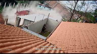 Prédio de quatro andares desaba no Paraguai - No momento da queda, não havia morador no local.
