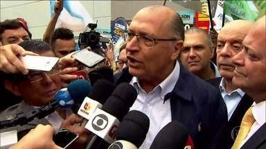 Geraldo Alckmin faz campanha na região metropolitana de São Paulo nesta quinta-feira (20) - O candidato do PSDB esteve em Guarulhos, na Grande São Paulo, nesta quinta-feira (20).