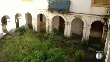 Justiça determina transferência de idosos do Asilo do Carmo para reforma do prédio - Assista a seguir.