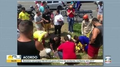 Romário vai pagar R$ 50 mil para vítima de acidente - O acidente aconteceu em dezembro do ano passado, na Barra. O carro em que o senador estava atropelou um motociclista. Uma testemunha disse que o ex-jogador estava ao volante. Mas Romário afirma que é uma testemunha do acidente.