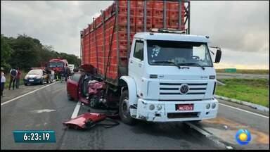 Vereador de Sapé morre em acidente entre carro e caminhão, na Paraíba - Caminhão teria saído do contorno, na BR-230, sem ver que o carro da vítima estava próximo a ele.