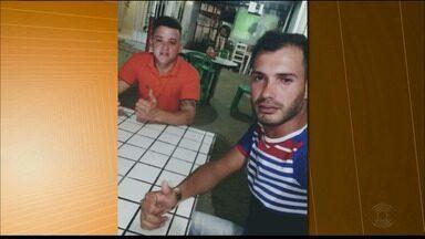 Dois homens morrem e outro fica ferido após disparos de arma de fogo, na Paraíba - Vítimas estavam em um estabelecimento quando foram atingidas pelos disparos, diz polícia.