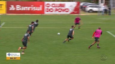 Inter enfrenta o Corinthians neste domingo (23) com transmissão da RBS TV - Rodrigo Dourado está recuperado e participará da partida.