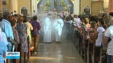 Romeiros já chegam a Três Pontas (MG) para o aniversário de morte de Padre Victor - Romeiros já chegam a Três Pontas (MG) para o aniversário de morte de Padre Victor