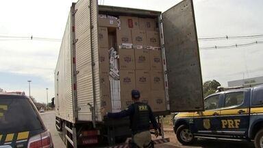 Operação prende contrabandistas de cigarro - Policiais são suspeitos de envolvimento no crimeRombo com o contrabando passa de 5 bilhões de reais