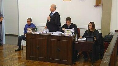 Advogado acusado de matar engenheiro a tiros é julgado em Fernandópolis - O advogado Ediberto Pinato será julgado na manhã desta segunda-feira (24), em Fernandópolis (SP), por um assassinato que aconteceu em 2002. O júri deve começar às 9h30 no fórum da cidade, além do réu, outras dez testemunhas serão ouvidas.