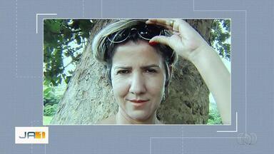 Enterrado o corpo de mulher encontrada morta dentro de casa, em Goiânia - Principal suspeito do crime é o marido, quem ela já havia denunciado por agressões.