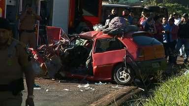 Criança de 8 anos morre em acidente na PR-445 - Outras quatro pessoas ficaram feridas no acidente