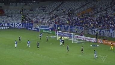 Cruzeiro vence o Santos e mantém sétima colocação no Campeonato Brasileiro - Raposa bateu o Peixe, de virada, por 2 a 1.