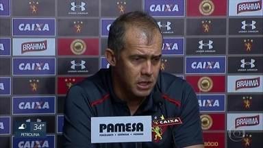 Técnico do Sport Club do Recife pede demissão após derrota - Eduardo Baptista pediu demissão do cargo após a perda contra o Palmeiras.