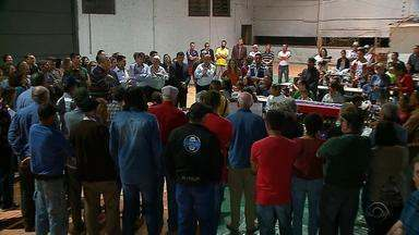 Moradores de Chapada, na Região Norte do RS, recepcionam grupo de venezuelanos - Os 52 venezuelanos se emocionaram com a recepção de Chapada.
