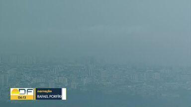 Defesa Civil emite comunicado após Inmet confirmar alerta de temporal no DF - De acordo com o Inmet, esses temporais devem ser mais frequentes até o fim da primavera. Isso por causa do calor e da alta umidade.