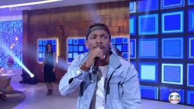Nego do Borel canta 'Me Solta' - Cantor explica mudança no ritmo da batida do funk