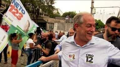 Candidato do PDT, Ciro Gomes, faz campanha em São Paulo e Minas - Jornal Nacional mostra como foram as atividades de campanha de candidatos à presidência nesta terça-feira (2).