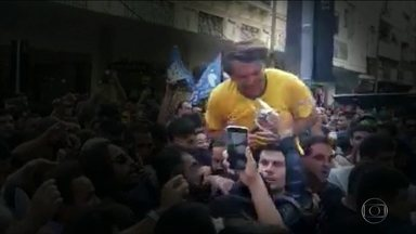 Ministério Público denuncia Adélio Bispo de Oliveira pela agressão a Jair Bolsonaro - Pena do esfaqueador pode chegar a 20 anos de prisão.