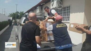 Em Itacoatira, TRE-AM realiza distribuição de urnas eletrônicas - No município há 74 locais de votação.