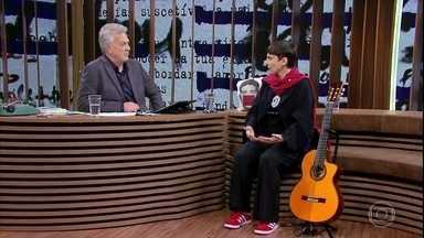 Adriana Calcanhotto fala sobre seu trabalho na Universidade de Coimbra - Ela também explica a diferença entre poesia para crianças e poesia para adultos