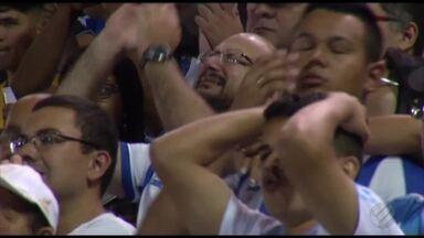Em jogo nervoso e cheio de superstição, Paysandu empata com o CRB - Confronto na Curuzu teve pênalti, confusão e torcedor jogando sal grosso nos jogadores