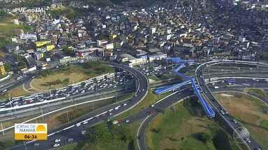 Motorista enfrenta trânsito lento na região da rodoviária de Salvador - Confira no Radar do JM.