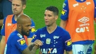 """Mesmo """"magrinha"""", vitória do Cruzeiro por 1 a 0 foi muito comemorada pelos jogadores - Mesmo """"magrinha"""", vitória do Cruzeiro por 1 a 0 foi muito comemorada pelos jogadores"""