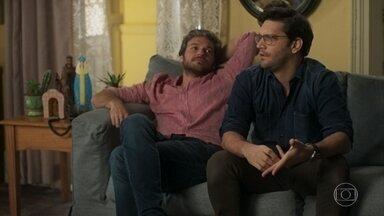 Ionan anuncia que pediu Maura em namoro - Dodô e Naná protestam