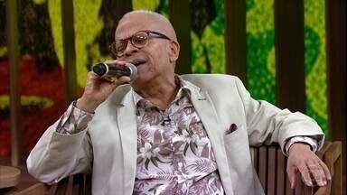 Nei Lopes canta ''Jongo do Irmão Café' - O cantor comenta sua relação com Wilson Moreira