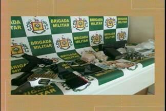 Sete pessoas são presas durante uma operação da Brigada Militar em Bagé, RS - Tráfico de drogas, associação para o tráfico e porte ilegal de arma de uso restrito. Quatro dos criminosos são da região metropolitana.