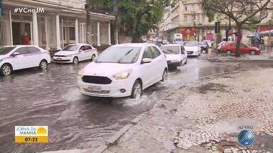 Chuva alaga parte da Calçada, em Salvador - Veja no quadro da previsão do tempo.