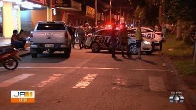 Polícia investiga caso de PM que matou amigo com tiro acidental e depois se suicidiou - Crime ocorreu em frente a sorveteria.