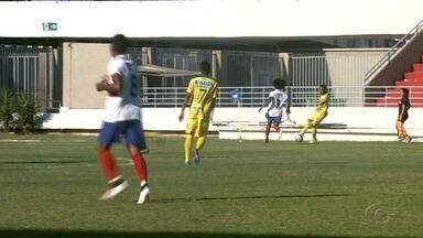 Após Sete de Setembro vencer de goleada, jogador pede música por ter marcado os três gols - Jogo foi contra o São Domingos pela segundona do Alagoano.