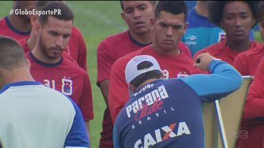 Paraná Clube já planeja próxima temporada dando chance para a piazada - Jovens de base devem ganhar oportunidades para jogar na reta final do Brasileirão