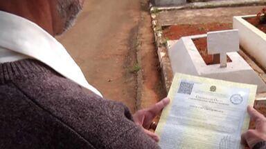 Comerciante de Suzano descobre que havia atestado de óbito e até sepultura com seu nome - Ele descobriu que estava 'morto' quando foi votar na última eleição.