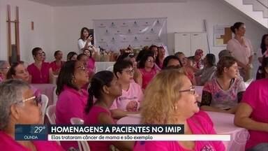 Outubro Rosa: pacientes diagnosticadas com câncer de mama recebem homenagem no Imip - Mulheres se tornaram exemplos de superação durante o tratamento da doença.