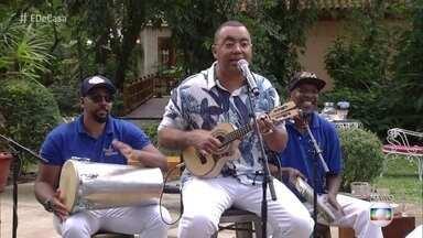 Dudu Nobre canta 'Posso até me apaixonar' - Em papo com André Marques, ele conta que está dando aula de cavaquinho online
