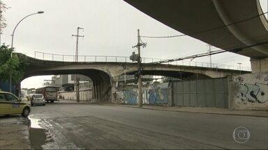 Relatório aponta problemas em viadutos e pontes do Rio - A Prefeitura do Rio fez um levantamento do estado de conservação de viadutos, pontes e passarelas da cidade e apresentou à Câmara de Vereadores. São mais de 20 locais que precisam de reparo.