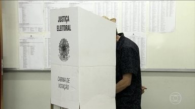Brasileiros elegem amanhã o novo presidente da República - Os eleitores de 13 estados e do Distrito Federal vão escolher também os novos governadores.