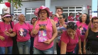 Em Campina Grande teve mutirão Outubro Rosa para prevenção do Câncer de Mama - Mulheres conseguiram marcar exames de mamografias e receberam orientações sobre a importância para a realização dos exames preventivos pra evitar o câncer de mama.