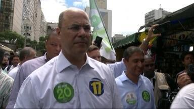 Wilson Witzel faz campanha no Centro do Rio - O candidato do PSC ao governo do Rio encerrou a campanha neste sábado (27).