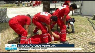 Voluntários são treinados para atender emergências em festa de encerramento do Círio - Tradicional queima de fogos é realizada no domingo (28)