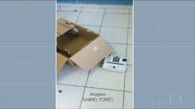 Vândalos atacam escolas em Sorocaba - Urnas danificadas tiveram que ser trocadas