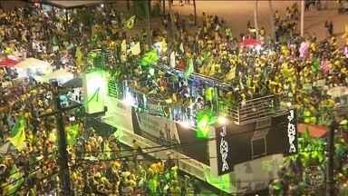 Vitória de Jair Bolsonaro é comemorada em várias regiões do Brasil - De norte a sul do Brasil, eleitores foram para as ruas comemorar a vitória de Jair Bolsonaro.
