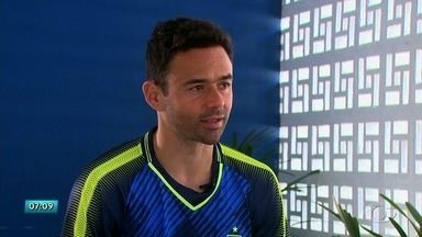 Meia Juan, do CSA, é entrevistado do Globo Esporte-AL - Atleta de 36 anos falou sobre a expectativa pelo acesso.