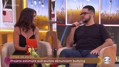 Guilherme sofria bullying quando aluno e hoje é professor - Ele conta sobre sua experiência na adolescência e como lida com a situação com seus alunos na escola atualmente