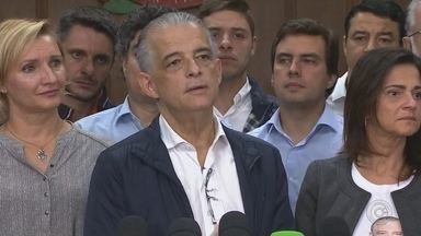 Márcio França reconhece derrota para João Doria - O candidato Márcio França (PSB), reconhece a derrota para João Doria (PSDB) na noite deste domingo (28).
