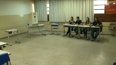 Em Paranavaí o segundo turno foi tranquilo - Duas pessoas foram encaminhadas pra delegacia por ter registrado o voto e postado nas redes sociais.